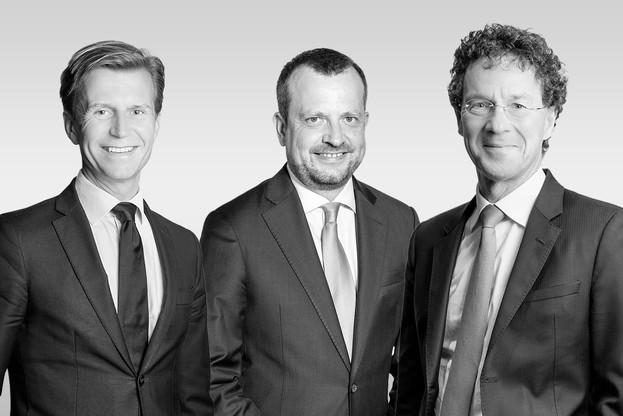 ClaudeNiedner et PhilippeDupont (à g. et à d.) prennent le relais à la tête du conseil d'administration, et Jean-MarcUeberecken poursuit sa mission de managing partner. (Photos: Arendt & Medernach, montage: Paperjam.lu)