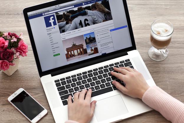 Si les juges de la Cour de justice de l'UE suivent les conclusions de l'avocat général, les réseaux sociaux seront tenus de rechercher et de supprimer ou de bloquer tous les contenus identiques voire équivalents à un contenu signalé comme diffamatoire par un utilisateur. (Photo: Shutterstock)
