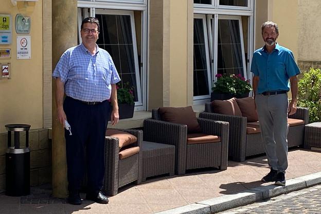 Jean-Paul et Francis, la sixième génération de Dimmer à tout donner pour leur complexe hôtelier adossé à la Sûre. À mi-chemin entre les châteaux de Vianden et de Beaufort, bordé par la Sûre et l'Allemagne. Aussi près de Luxembourg que de Trèves. (Photo: Paperjam)