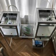 «Nous pouvons désormais produire 10masques à la fois sans avoir à relancer l'imprimante.» ((Photo: DR))