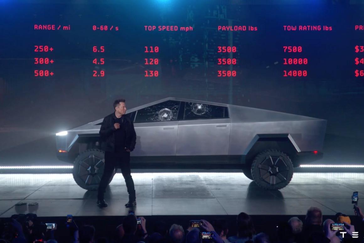 Malgré les vitres incassables du Cybertruck – cassées en deux secondes –, Elon Musk a suscité l'envie de 200.000clients. Et le cours de bourse de Tesla est reparti à la hausse. En dépit des commentaires négatifs. (Photo: Tesla)