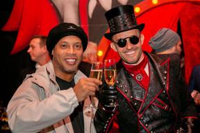 Ronaldinho et György Gattyán (Docler Holding) ((Photo: Bor Zoltan))
