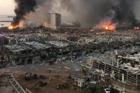 L'onde de choc de la double explosion a causé des dégâts immenses à des kilomètres à la ronde. (Photo: Capture d'écran/Twitter)