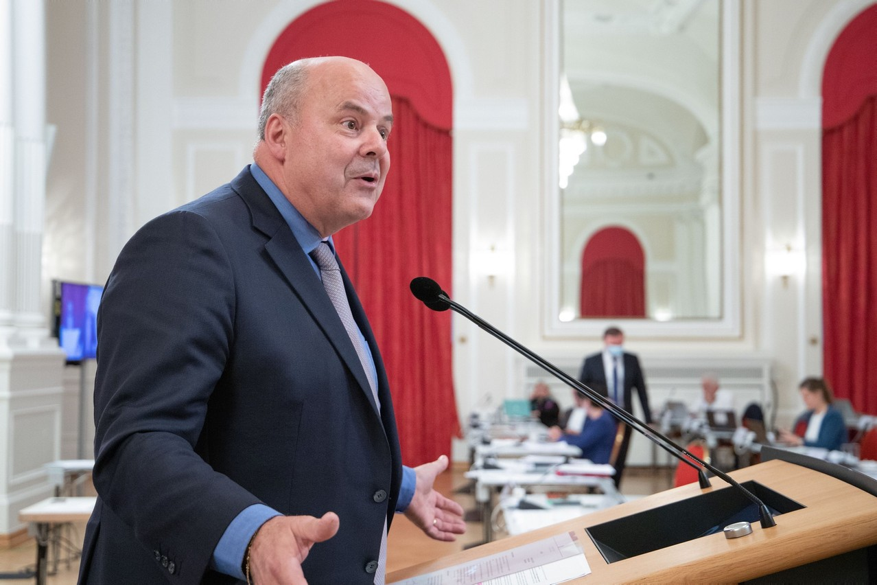 MP Marc Spautz (CSV) denounces the DP's purely political opposition to his bill on the reindexation of family allowances. (Photo: Chamber of Deputies/Flickr)