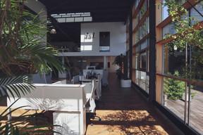 L'entreprise s'est même offert un petit jardin pour accueillir les dîners mensuels des 40 salariés. ((Photo: DSL))