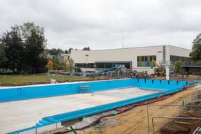 La piscine en plein air bénéficie de travaux de rénovation. ((Photo: Matic Zorman/Maison Moderne))