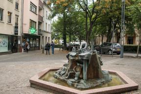 La fontaine de la place Kinnen doit être déplacée pour réaliser les travaux de la troisième phase du shared space. ((Photo: Matic Zorman/Maison Moderne))