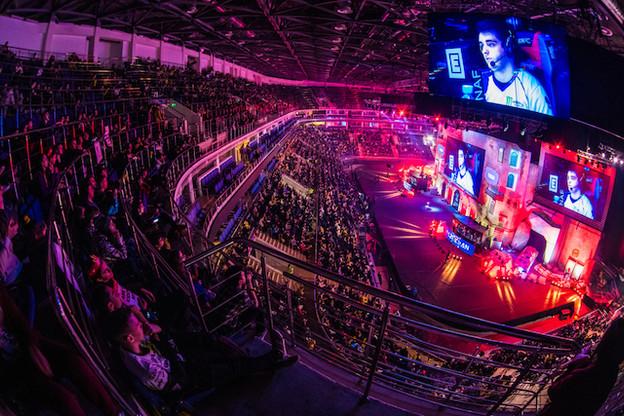 Les e-sports font désormais partie des compétitions sportives les plus regardées au monde. Au même niveau que la Formule 1. Et le marché est encore en croissance de 20% par an. (Photo: Shutterstock)