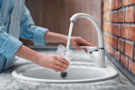 Le ministère de l'Environnement constate que la consommation d'eau potable est «très élevée», dès que les températures dépassent 30 degrés. (Photo: Shutterstock)