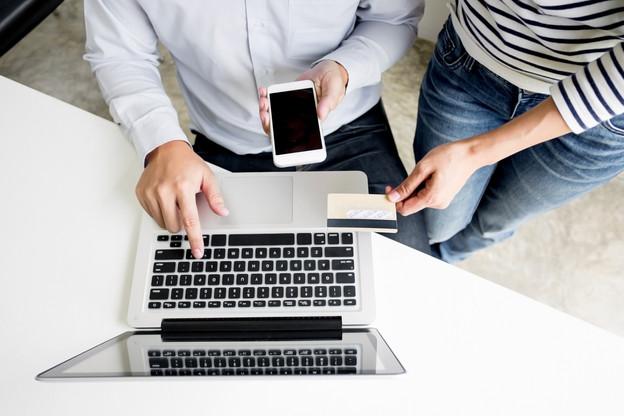 L'EBA accorde aux e-commerçants, «à titre exceptionnel», un délai supplémentaire «limité». (Photo: Shutterstock)