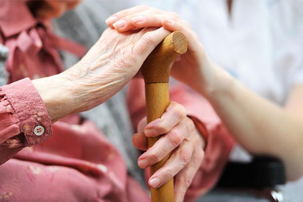 Les femmes de la génération d'après-guerre travaillaient traditionnellement peu. Mais l'activité croissante des femmes dans les décennies suivantes réduit peu à peu l'écart entre les pensions des femmes et des hommes. (Photo : Shutterstock)