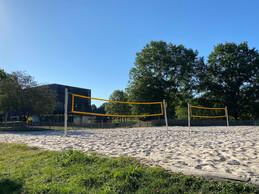 Les deux terrains de beach-volley. ((Photo: Paperjam))