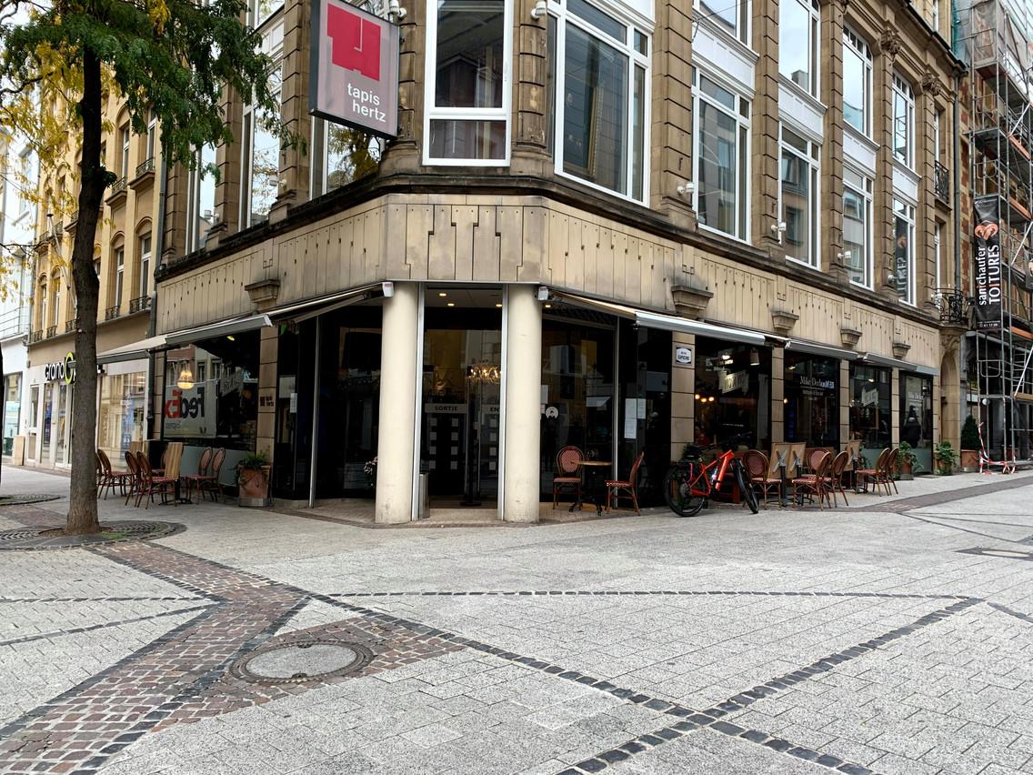 D'un magasin de tapis à un bar: le «pop-up» redonne vie à cette cellule commerciale vide située Grand-Rue. (Photo: Maison Moderne)