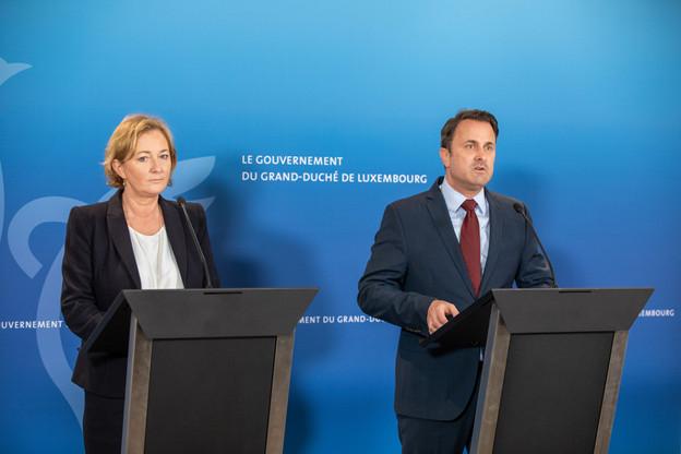 La ministre de la Santé, Paulette Lenert, et le Premier ministre, Xavier Bettel, ont annoncé jeudi soir une série de mesures d'une envergure «sans précédent» afin de limiter la propagation de l'épidémie de coronavirus. (Photo: Romain Gamba/Maison Moderne)