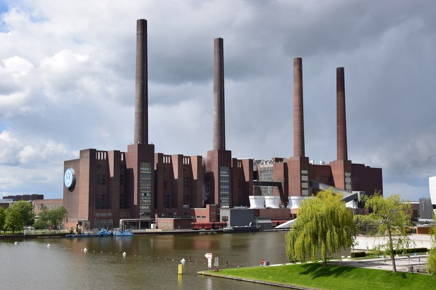 À Wolfsburg ou ailleurs, l'industrie automobile allemande a trinqué en 2019. (Photo: Shutterstock)