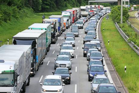 La Métropole de Metz redoute que l'écotaxe, remise au goût du jour la semaine dernière en conseil des ministres, ait pour conséquence une augmentation du trafic des camions en Lorraine. (Photo: Shutterstock)