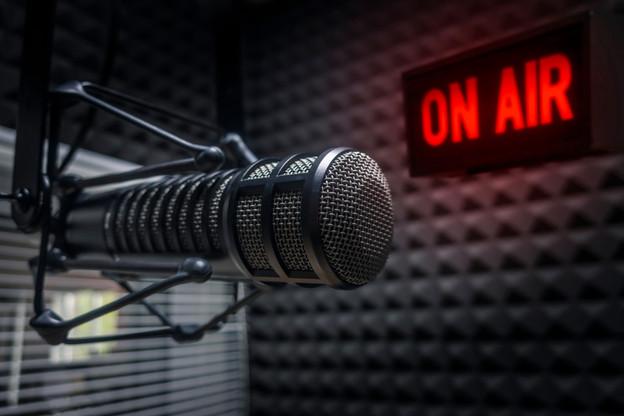 CLT-Ufa possède 100% des deux radios les plus écoutées du pays, plus 25% de L'essentiel Radio. (Photo: Shutterstock)