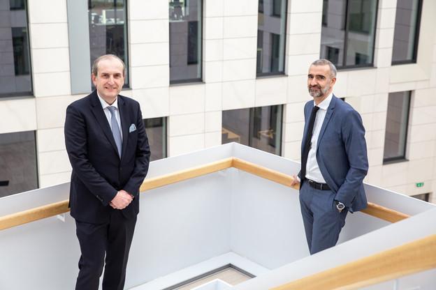 Yves Stein, CEO de la banque privée, et Serge Weyland, CEO du pôle Asset management, se sont rejoints dans le même bâtiment. Une première pour eux. (Photo: Romain Gamba / Maison Moderne)