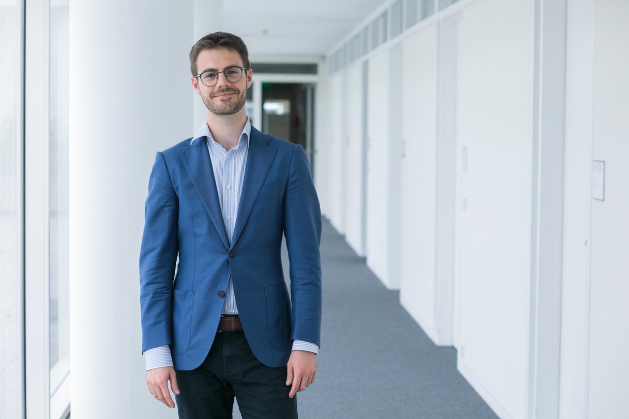 Edoardo Stoppioni, 31 ans, reçoit 7.500 euros de la société Max Planck grâce à sa thèse,«Une analyse critique du discours du juge de l'OMC et de l'arbitre de l'investissement sur le droit non écrit». (Photo: Matic Zorman / Maison Moderne)