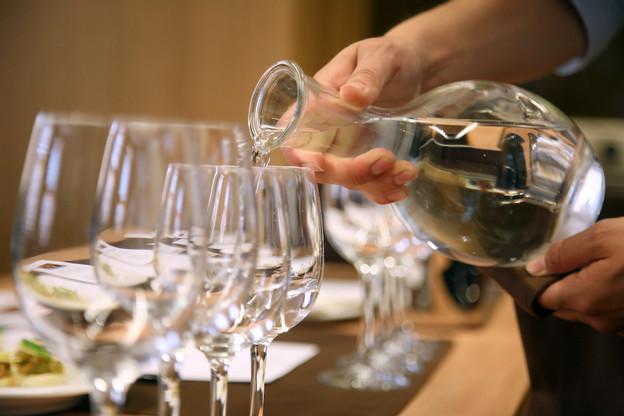 Succès: La pétition n°1319, portant sur l'accès à l'eau en carafe dans les restaurants, a rassemblé 5.222 signatures en un peu plus d'un mois. (Photo: Shutterstock)