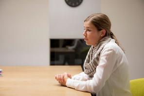 Présidente de la CSJ pendant deux ans et demi, ElisabethMargue passe la main à AlexDonnersbach en décembre2018, pour s'impliquer au sein du CSV. Un nouveau poste «moins critique», mais «au cœur même de l'élaboration des propositions du parti». (Photo: Patricia Pitsch / Maison Moderne)