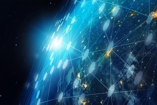 L'objectif d'Elon Muskest de placer 12.000 satellites en orbite basse au-dessus de la Terre pour apporter de la connectivité à toutes les régions de la planète. (Illustration: Shutterstock)