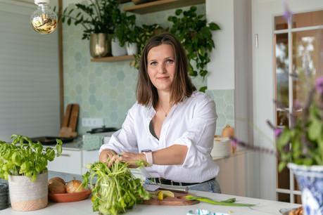 Emily Cooper assume pleinement son régime «plant based» et ne transige jamais avec la gourmandise! (Photo: Romain Gamba/Maison Moderne)