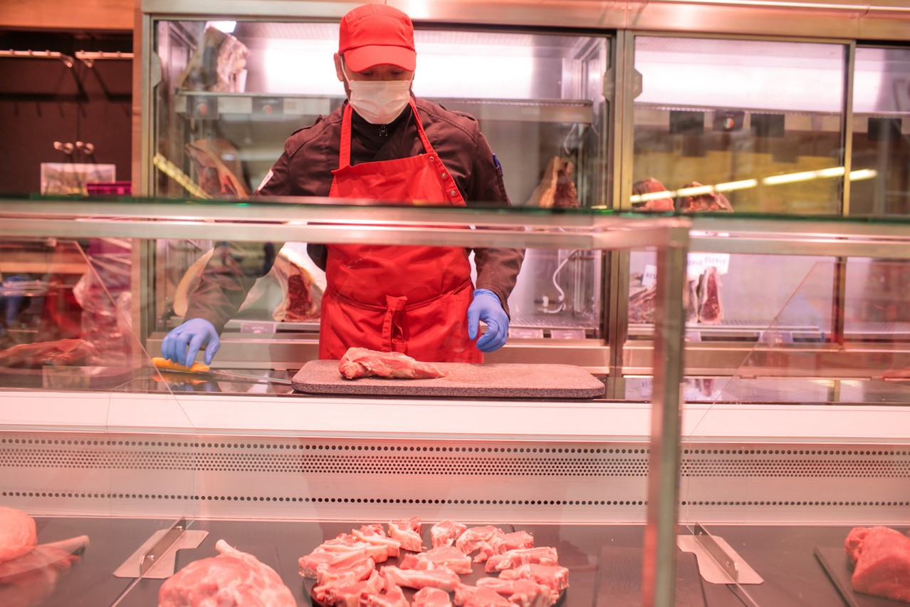 Le secteur de la boucherie recrute en masse. Mais les candidats ne se bousculent pas, malgré un salaire qui peut être attractif. (Photo: Matic Zorman/Maison Moderne)