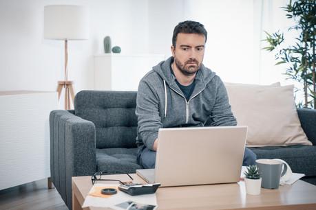 De nombreux employés ressentent un sentiment d'isolement après des mois entiers à travailler seuls à domicile. (Photo: Shutterstock)