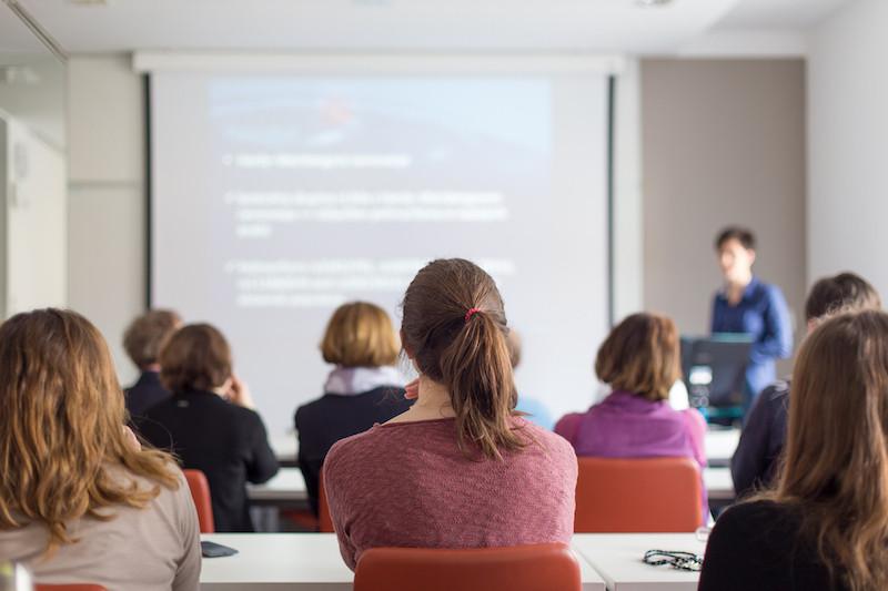 Selon Benjamin Bonvalot, directeur des RH au sein d'Atoz: «On constate que la formation revient souvent sur la table durant le processus de recrutement.» (Photo: Shutterstock)