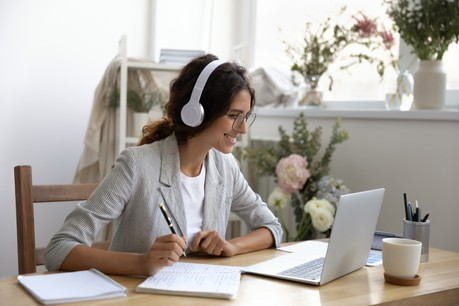 Le télétravail a aussi accéléré l'adoption de nouvelles solutions dans la gestion des ressources humaines. (Photo: Shutterstock)