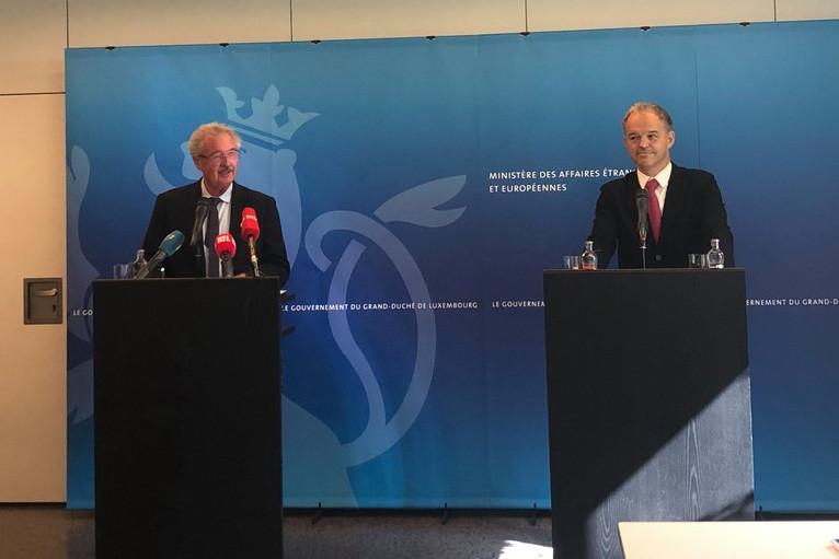 Le ministre des Affaires étrangères, JeanAsselborn, et le président de l'UEL, MichelReckinger, ont présenté le pacte«entreprises et droits de l'Homme». (Photo: Paperjam)