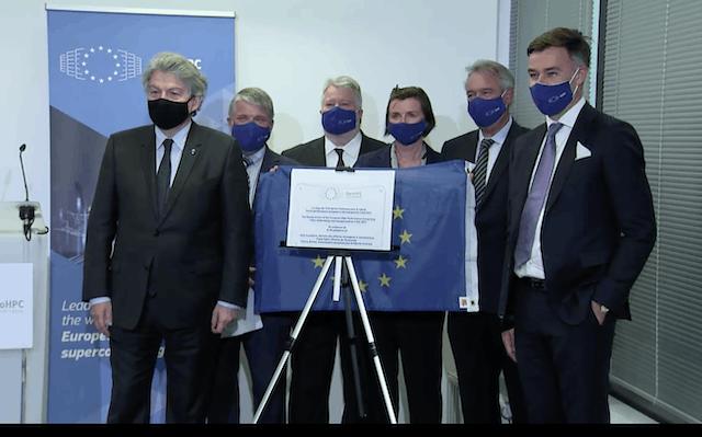 Dévoilement de la plaque commémorative pour l'inauguration de l'EuroHPC JU le 3 mai, avec Thierry Breton, Anders Dam Jensen, Herbert Zeisel, Josephine Wood, Jean Asselborn et Franz Fayot.  (Photo: Capture d'écran vidéo)