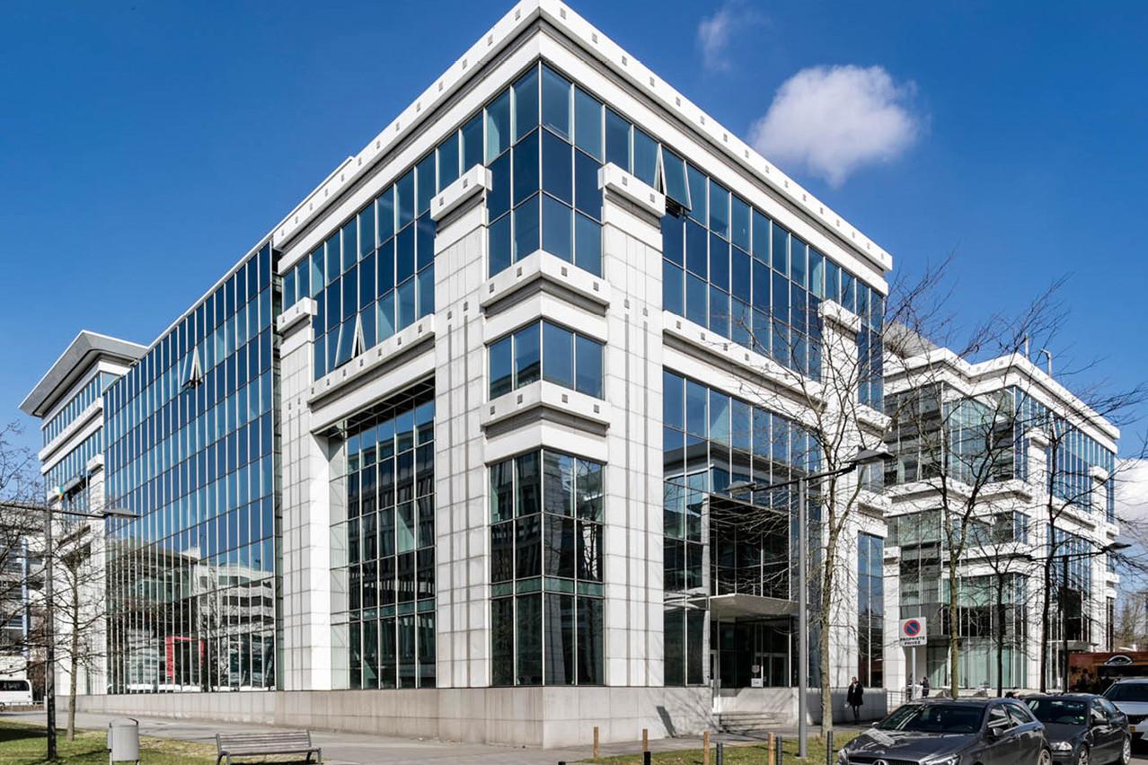Deux ans après sa reprise, l'immeuble sort du portefeuille de l'investisseur belge. (Photo:Alides Reim)