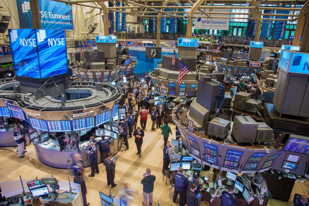 La société Moderna a bondi de 30% à l'ouverture de Wall Street hier. L'ensemble des marchés a suivi. (Photo: Shuttertstock)