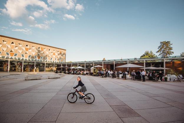 La terrasse de la Brasserie Schuman, devant le Grand Théâtre de Luxembourg, a été un des points de rendez-vous les plus courus du moment. (Photo: Nader Ghavami)