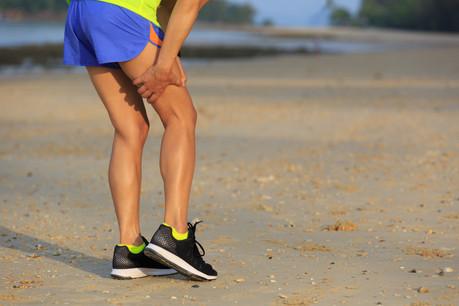 Une crampe en course oblige généralement à s'arrêter, au moins le temps de la faire disparaître. (Photo: Shutterstock)
