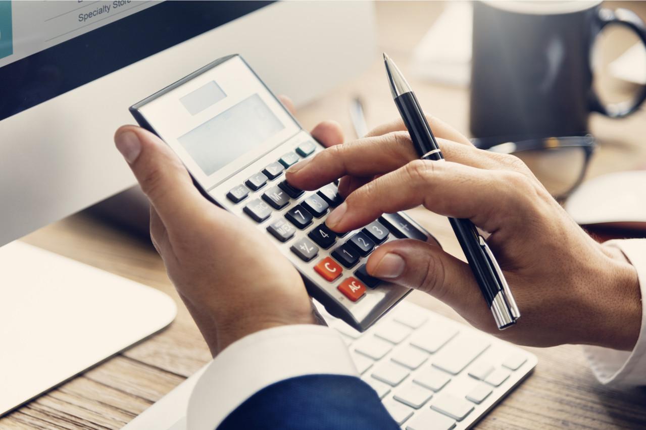Le ministre des Finances a fait ses comptes: l'État a terminé moins endetté que prévu en 2019 de 686,5 millions d'euros. (Photo: Shutterstock)