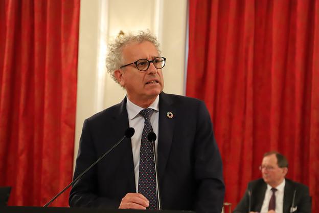 Si l'État venait à utiliser les 3 milliards qu'il est possible d'emprunter, la dette publique atteindrait 24% du PIB, a calculé Pierre Gramegna (DP), ministre des Finances. (Photo: Chambre des députés)
