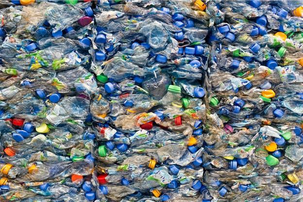 Vous n'aurez pas à payer de taxe plastique en 2021, le gouvernement s'en charge. (Photo: Shutterstock)