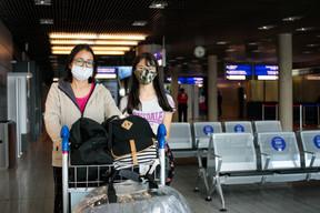 PriscillaOchido et sa fille Juliana ont fait un test au Brésil avant de prendre l'avion, négatif. Par précaution, elles en ont fait un second à leur arrivée au Findel. ((Photo: Matic Zorman / Maison Moderne))
