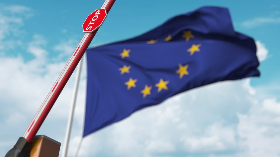 """The European Council revised its non-binding guidance on 30 August 2021, taking the US and Israel off its list of countries """"for which travel restrictions should be lifted"""" due to the Delta variant. Photo: Novikov Aleksey / Shutterstock"""