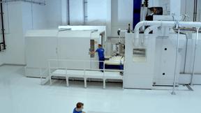 Cette machine capable d'usiner des pièces avec une très grande précision sur des matériaux légers, comme lourds, a par exemple nécessité un investissement de 20 millions d'euros. ((Photo: Euro-Composites))
