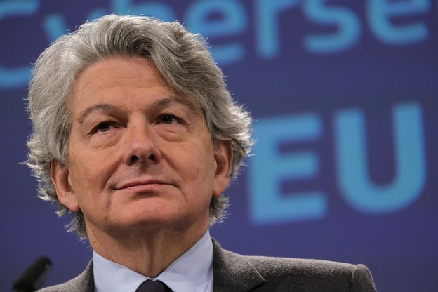 Pour Thierry Breton, l'immunité collective peut être atteinte en Europe pour la mi-juillet. (Photo: Shutterstock)