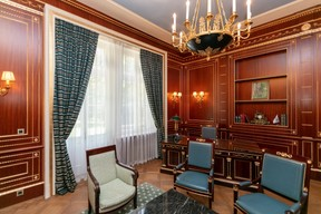 "The ""president's room"" now hosts smaller client meetings Romain Gamba/Maison Moderne"