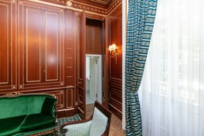 """A hidden door in the panelling of the """"president's room"""" gives way to a small toilet Romain Gamba/Maison Moderne"""