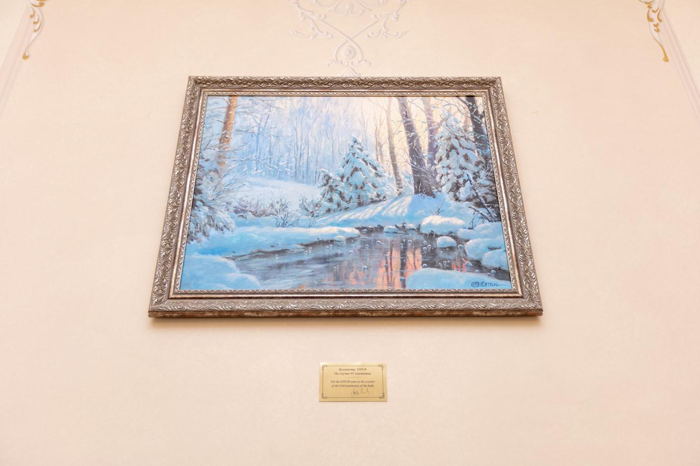 A signed 45th anniversary present from the bank's universal beneficial owner, Vladimir Evtushenkov: a painting by St Petersburg artist Oleg Pyatin Romain Gamba/Maison Moderne