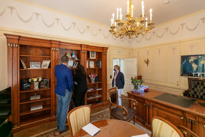 A view inside Sergey Pchelintsev's office Romain Gamba/Maison Moderne