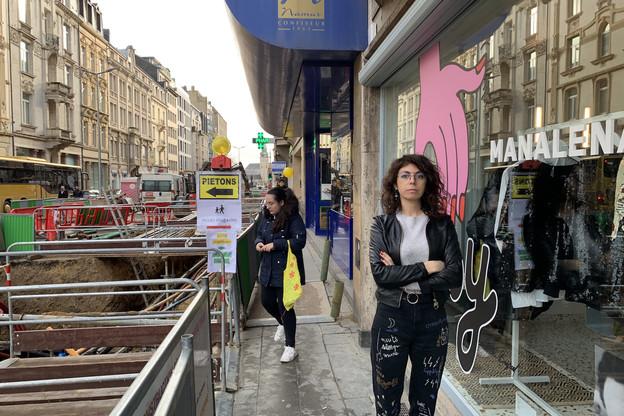 Bruit, vibrations, fléchage incertain pour les passants, absence de parking: Maddalena Oliva et des commerçants de l'avenue de la Liberté ont lancé une pétition pour défendre leurs commerces de proximité. (Photo: Paperjam)