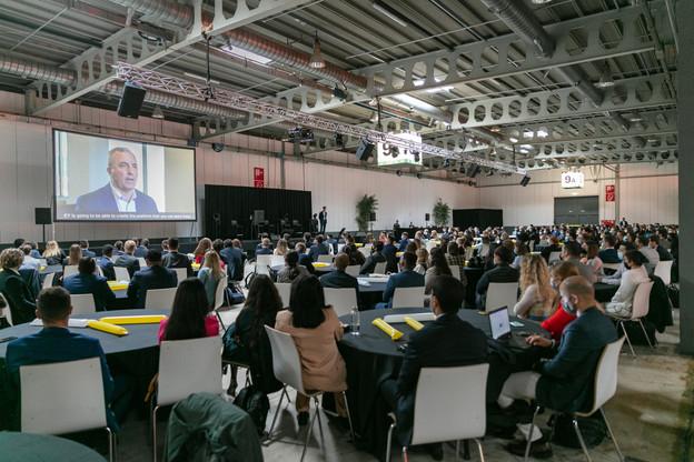 250 des 340 new joiners ont participé à la cérémonie d'accueil d'EY Luxembourg. (Photo: Romain Gamba/Maison Moderne)